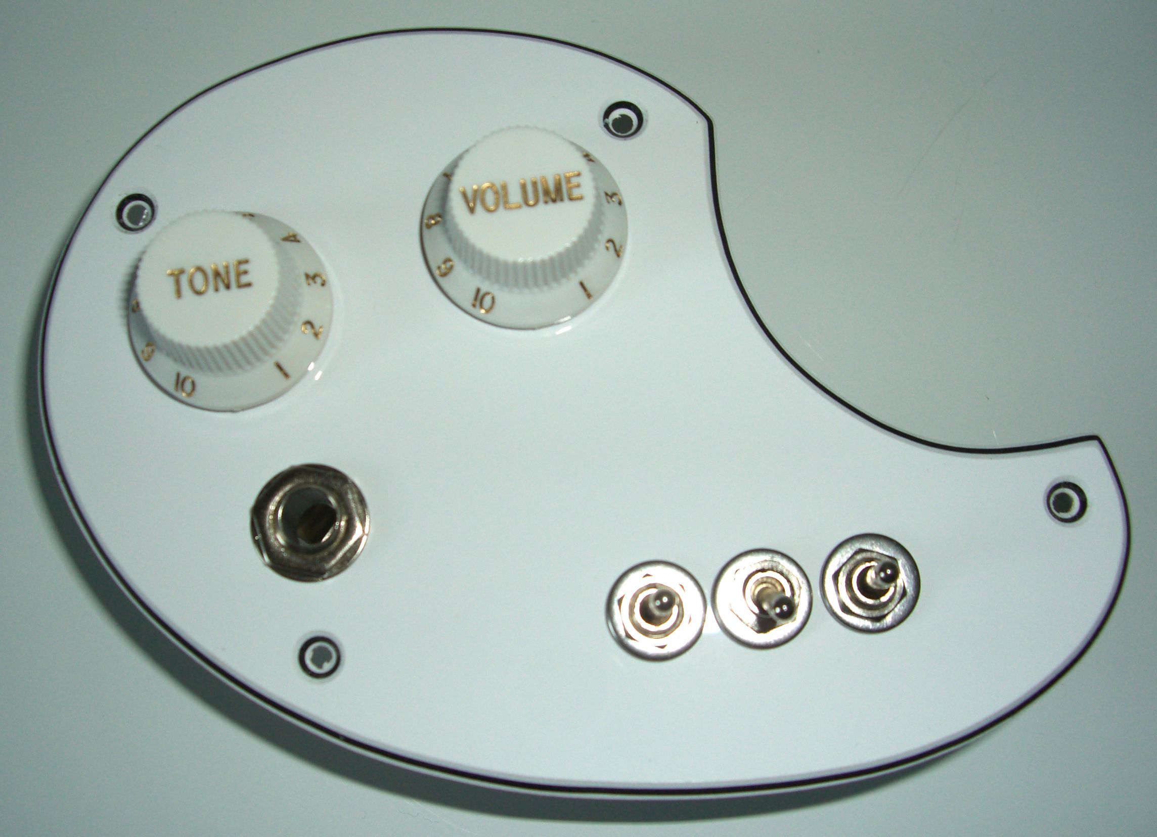 Mosrite Celebrity Guitar and Bass Upgrade product Gives You 6 Pickup ...